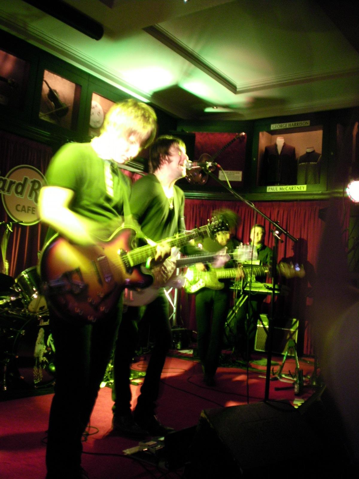 Hard Rock Cafe Near Buckingham Palace